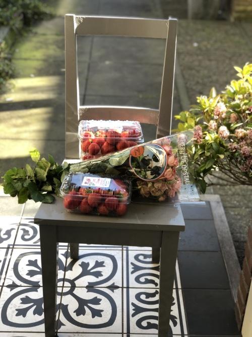 Aardbeien bezorgd voor de deur